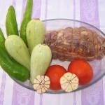 Pierna de cordero deshuesada al horno con verdura